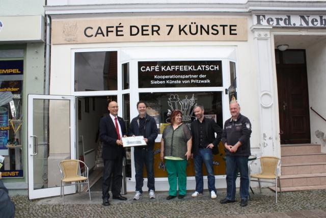 Eröffnung des Cafés der Sieben Künste