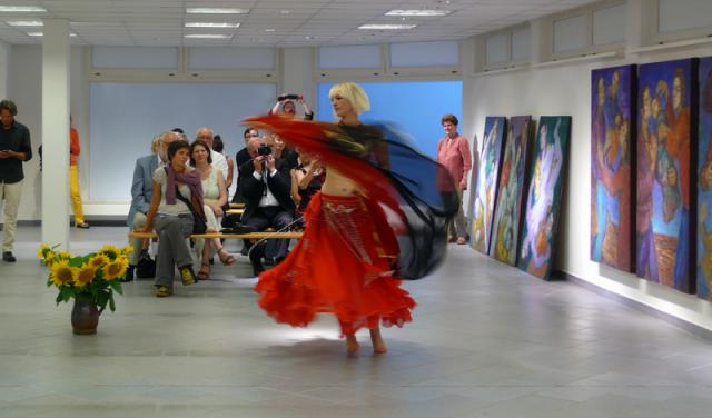 Paula Sophie Konowalow bei ihrer Tansperformance.
