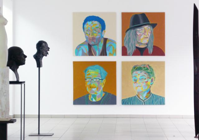 Blick auf Werke von Klaus Siegmund, Bernd Streiter, Gerhild Grolitsch und Jost Löber